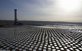 以色列内盖夫沙漠太阳能发电站